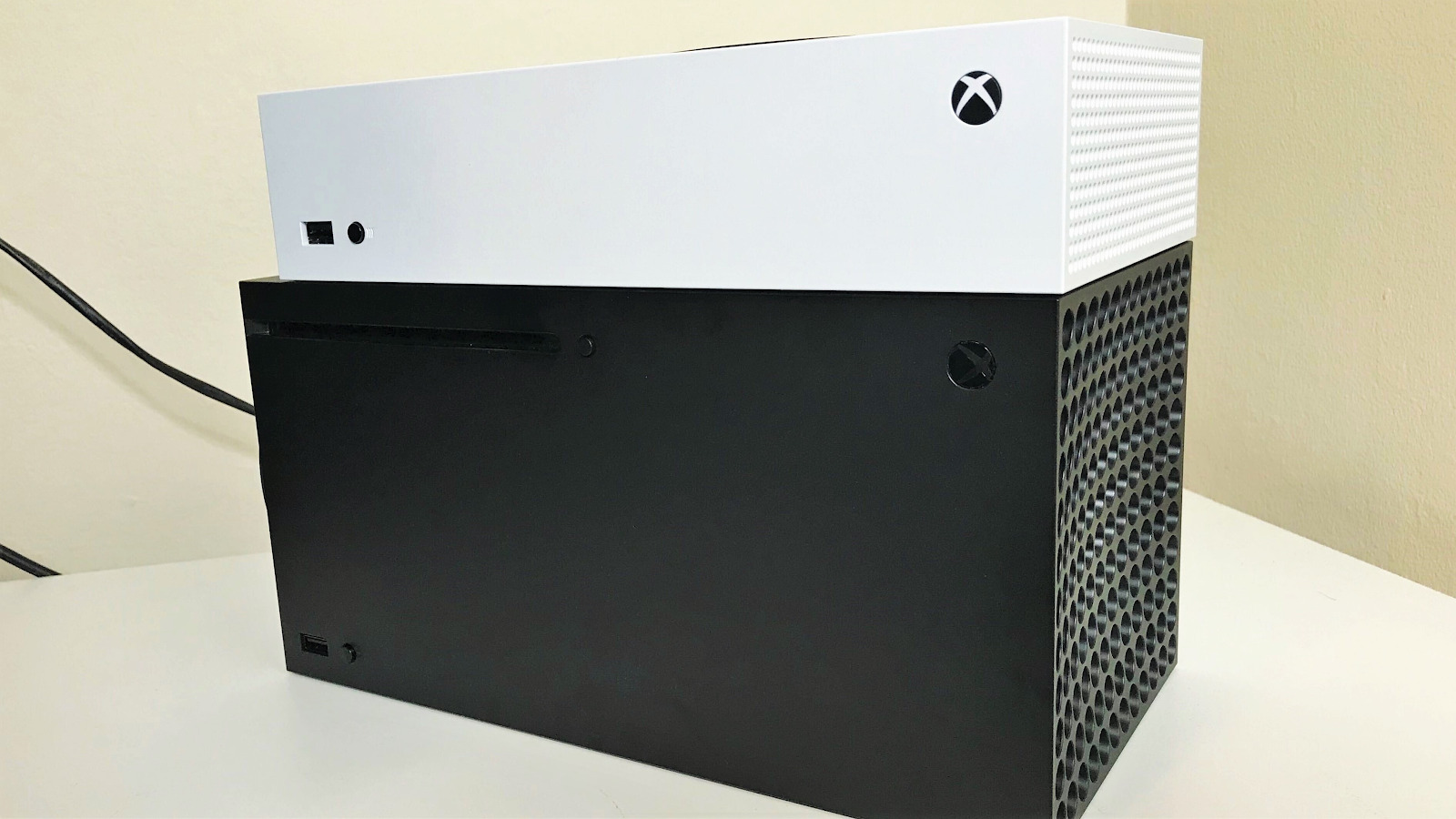 Xbox Series X-Series S Size Comparison